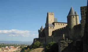 Stadtamauern Carcassonne in der Sonne