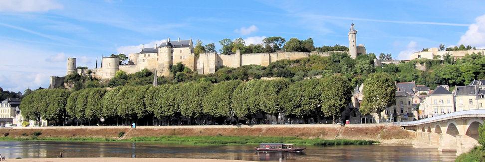 Gesamtansicht Burg Chinon, Frankreich