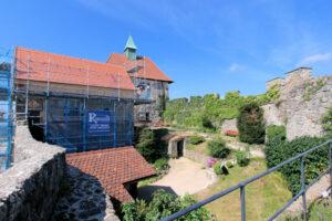 Burg Hohenstein, Innenhof & Blick auf den Palas