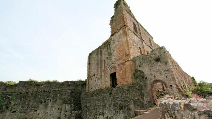 Aussenansicht der großen Halle, Chepstow Castle, Wales / Great Britain
