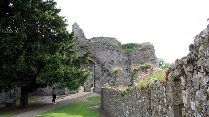 Innenhof von Chepstow Castle, Wales / Great Britain