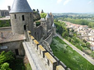 Carcasonne, Blick auf die Stadtmauer