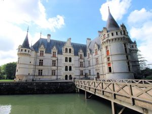 Schloss Azay-le-Rideau, von der Brücke aus