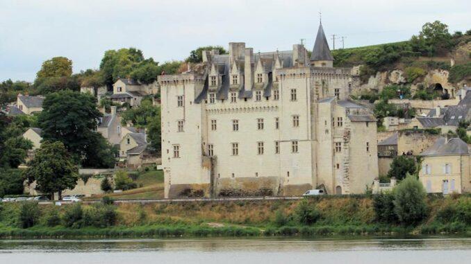 Montsoreau_Fluss-im-Vordergrund_4550