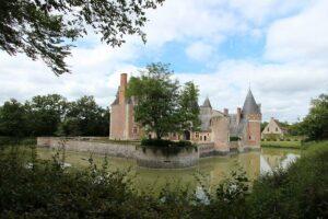 Château du Moulin, Rückansicht und Blick auf den Innenhof