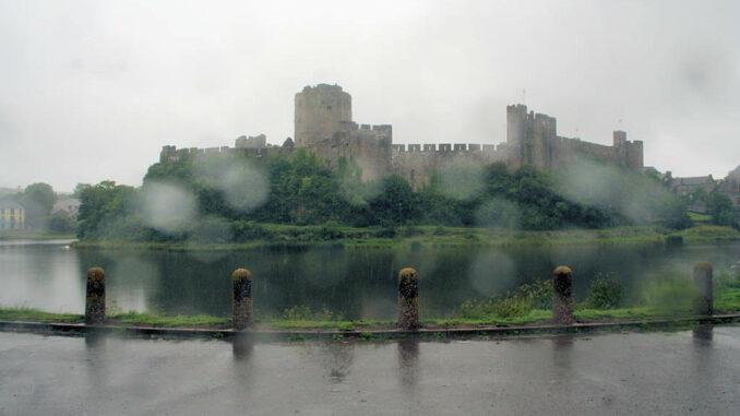 Pembroke Castle, Wales - Ansicht von aussen