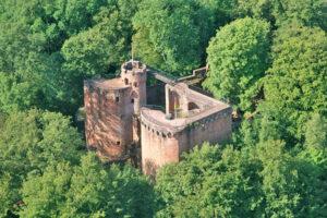 Luftbild von Burg Montclair im Saarland (Deutschland)