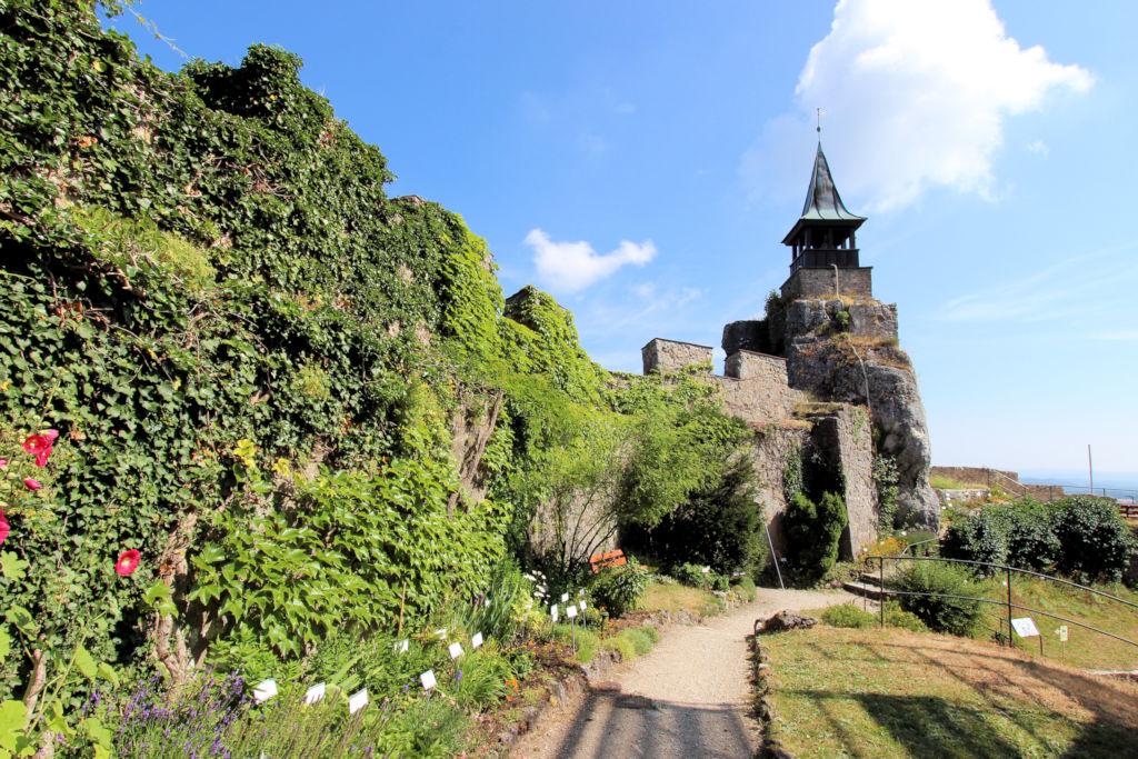 Burg-Hohenstein-91241_058_Innenhof
