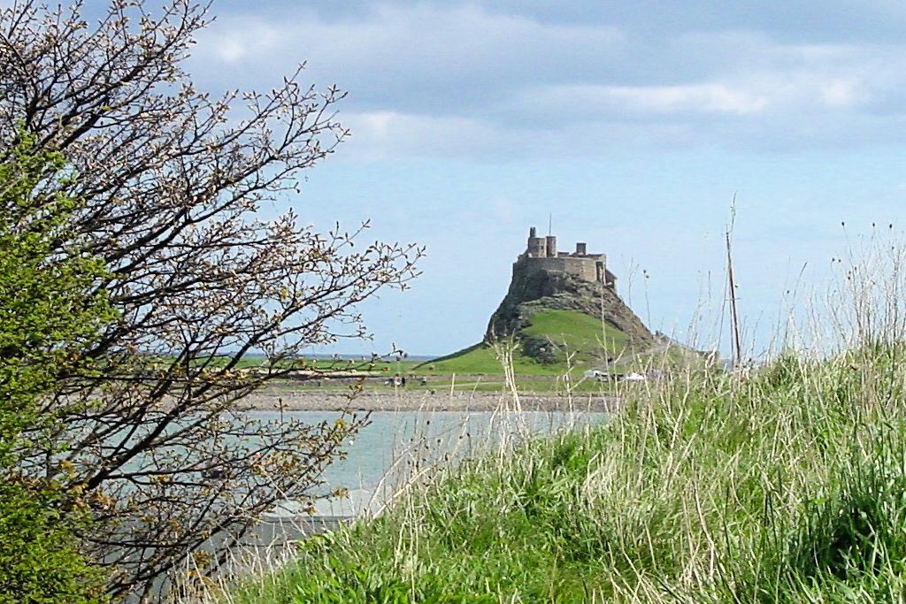 Lindisfarne-Castle_remote_0032