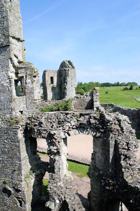 Coity-Castle-Wales_0594_mauerwerk
