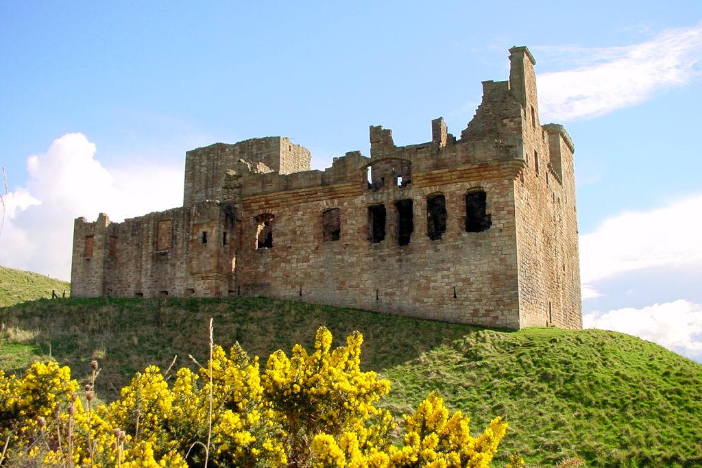 Crichton-Castle-Schottland_0103_Aussenansicht-II