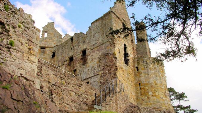 Dirleton-Castle-Schottland_0086_Palas