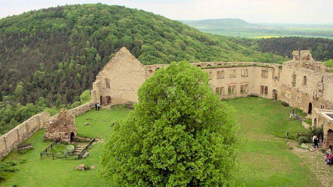 Burg-Gleichen_0024_Innenhof