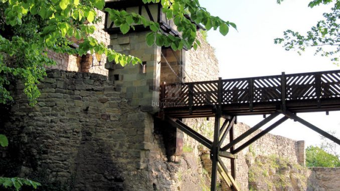 Burg-Greifenstein-07422_Tor-zur-Oberburg_2408