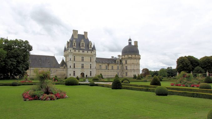 Chateau-Valencay_5948_Haupteingang