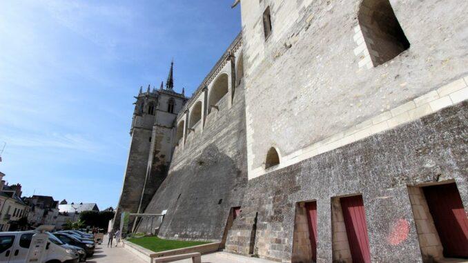 Chateau-d-Amboise_Aussenmauer_6588