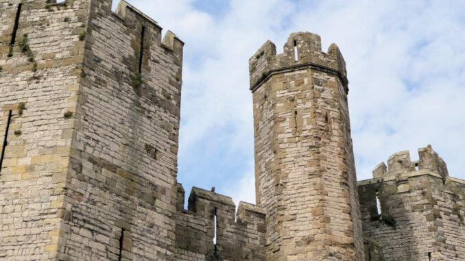 Caernarfon-Castle_Wales_Mauerdetail