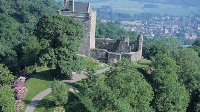 Castle-Campbell_002_historic-scotland