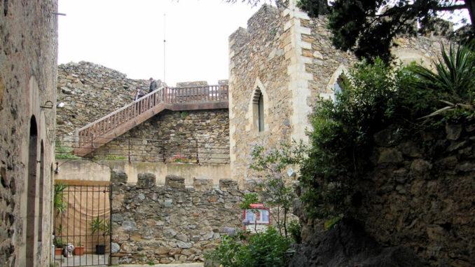 Chateau-Vicomtal-Castelnou_5274_Innenhof