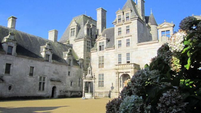 Chateau-de-Kerjean_0715_Innenhof
