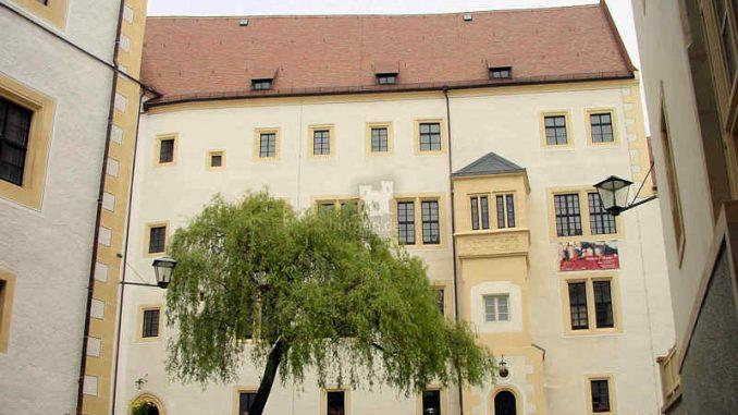 Schloss-Colditz_Innenhof_0026