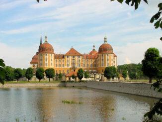 Schloss Moritzburg, Sachsen - Schloss mit Brücke