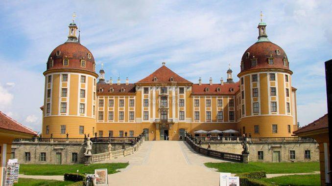 Schloss-Moritzburg_Frontalansicht