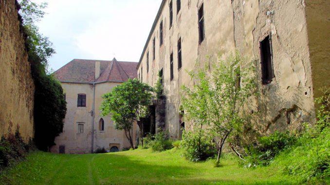 Schloss-Thalberg_0009_Palas