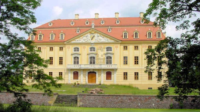 Schloss-Wachau_Eingang_0016