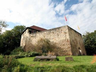 Schloss Wäscherburg, Baden-Württemberg - Aussenansicht der Staufferburg