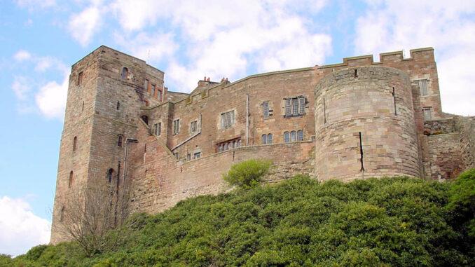 Bamburgh-Castle_0050_Aussenmauer