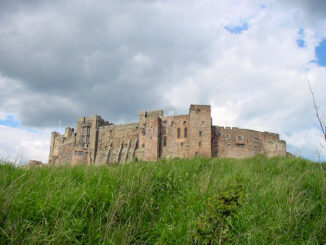 "Bamburgh Castle, Northumberland (England) - Burg von ""Uthred of Bebbanburgh"" aus Bernard Cornwells Lords of the north-Zyklus"