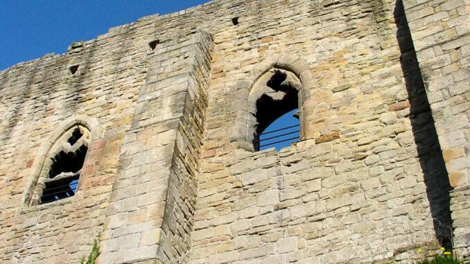 Barnard-Castle_0051_Aussenmauer