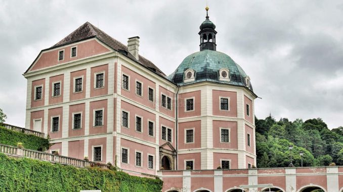 Becov-nad-Teplou_002_Schlossgebaeude-1