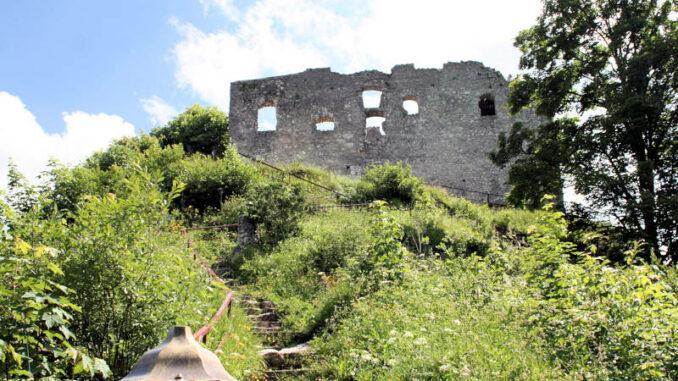 Burg-Falkenstein-Pfronten_3995_Aufgang