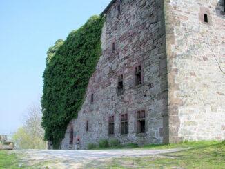 Burg Grebenstein, Hessen - Front Palas