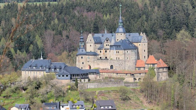 Burg-Lauenstein_2040_Panorama