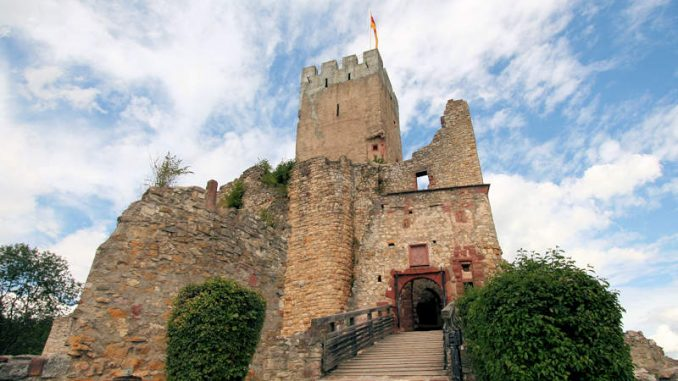 Burg-Roetteln_1587_Zugbruecke