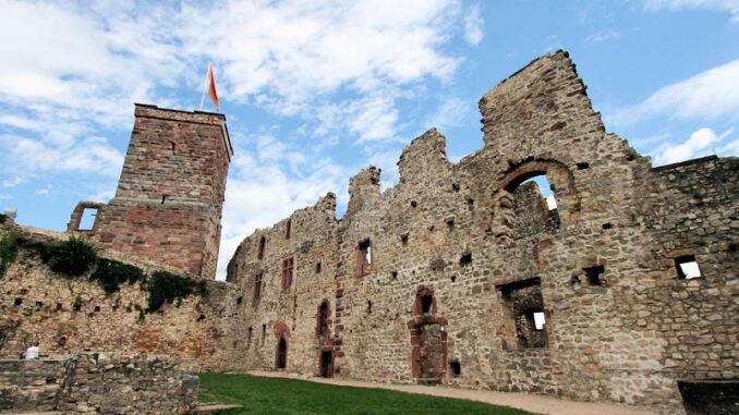 Burg-Roetteln_1589_Palas