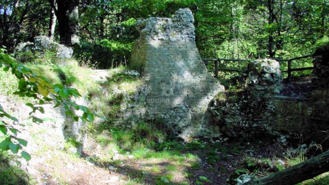Burg-Sachsenstein_Fundamente_0021