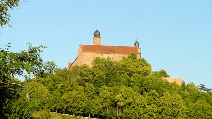 Burg-Wernstein_0081_vom-Tal