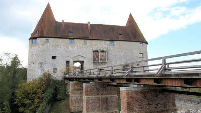 Burghausen_1315_Torhaus