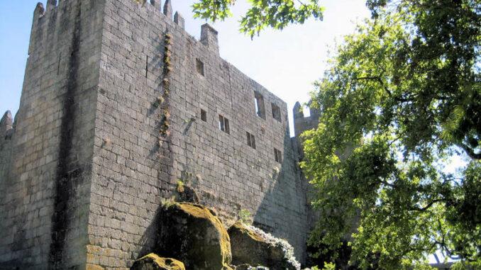 Castelo-de-Guimaraes_7828_Schildwall