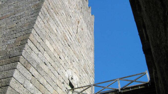 Castelo-de-Guimaraes_7834_Turmdetail