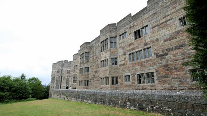 Castle-Drogo_0986_Rueckseite