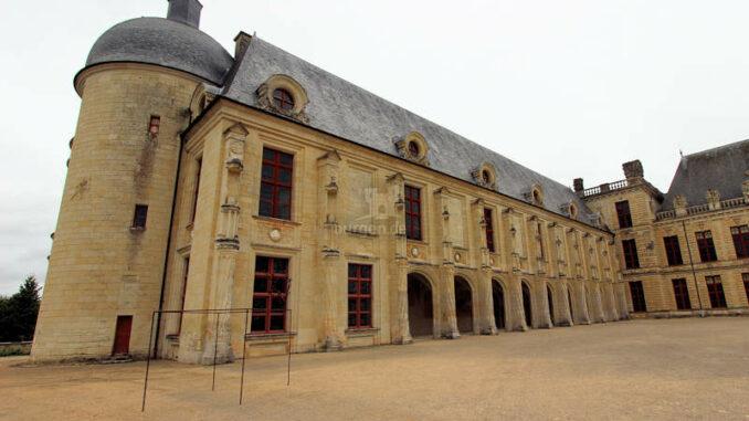 Chateau-d-Oiron_5583_Seitenfluegel