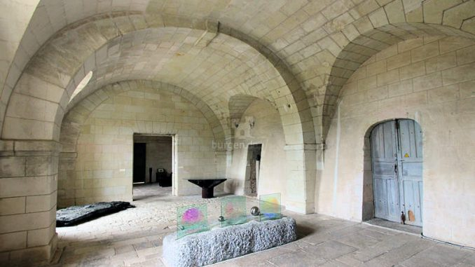Chateau-d-Oiron_5590_Ausstellung-Spiegelungen
