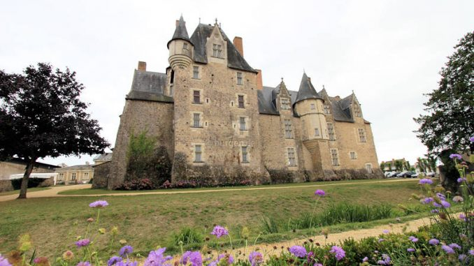 Chateau de-Bauge_4794_Rueckseite-2