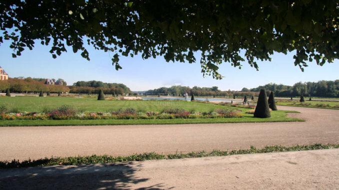 Chateau-de-Fontainebleau_9305_Detail-Park