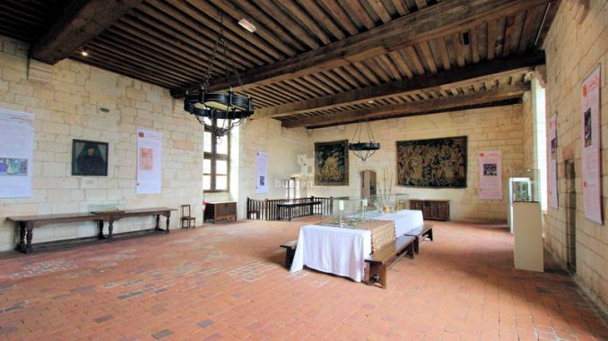 Chateau-de-Loches_5793_grosser-Saal